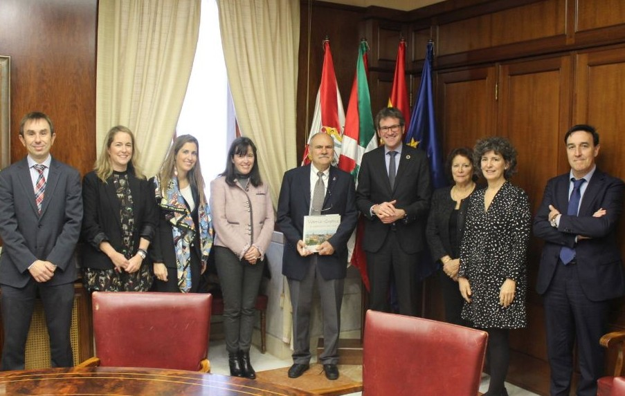 The Mayor of Vitoria welcomes Michel Armand