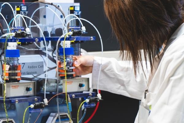 CIC energiGUNE y Tekniker socios fundadores de la asociación Flow Batteries Europe