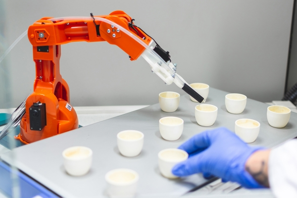 Artificial intelligence for automated and autonomous discovery of better battery materials