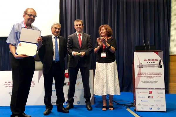 "Enric Brillas, of the University of Barcelona, winner of the 2019 ""CIC energiGUNE Scientific Research"" Award"