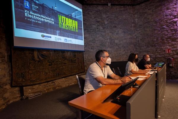 Expertos destacan el potencial de la cerámica para el desarrollo de sectores tecnológicos emergentes en la XV Reunión Nacional de Electrocerámica que se celebra desde hoy en Vitoria-Gasteiz