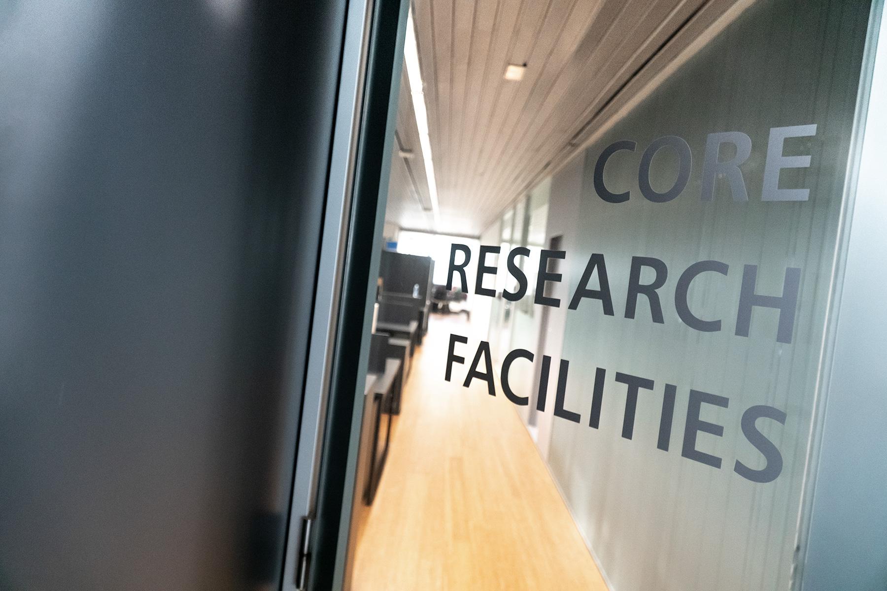 """CIC energiGUNE colabora en el proyecto de investigación para reducir la degradación de las baterías a través de material """"auto-ordenable"""""""